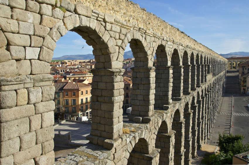 Acueducto de Segovia - atracciones turisticas de espña