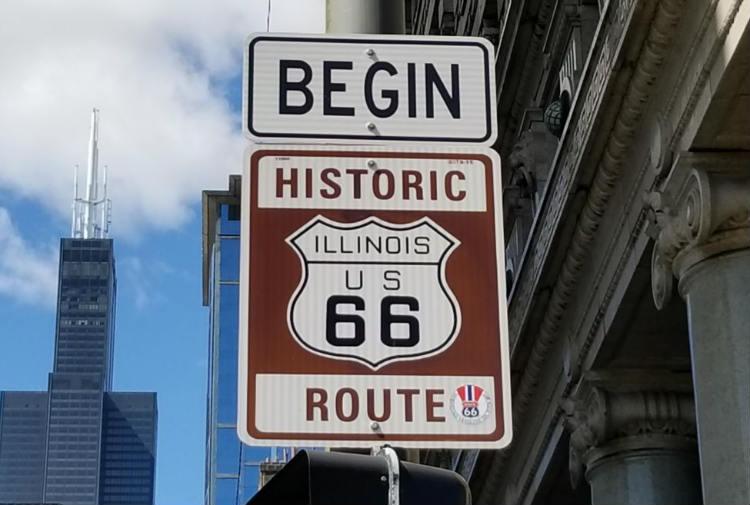 Explore la Ruta 66 y el corazón de América en dos semanas, donde lo llevará desde el corazón de Chicago hasta la brillante costa oeste de California. En el camino, descubra los lugares que han resistido la prueba del tiempo y representan el alma de América.