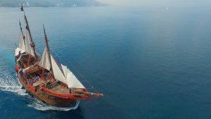 crucero pirata en puerto vallarta