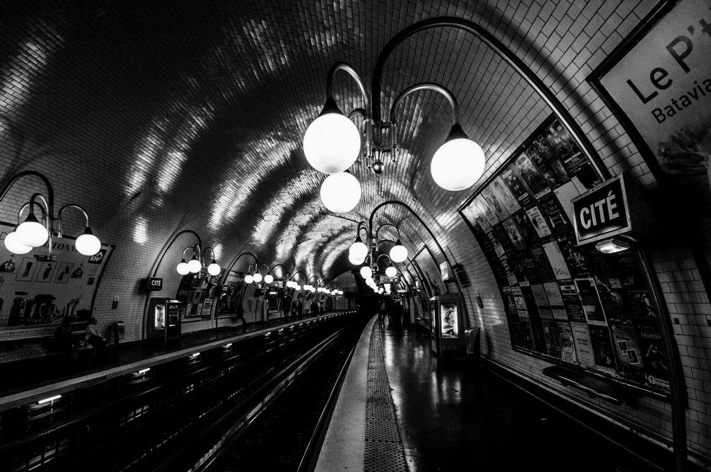 metro-Paris-transporte-en-Paris
