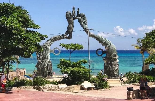parque-fundadores-playa-del-carmen